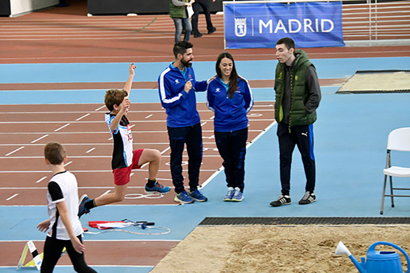 Alvaro-Lopez-saltando
